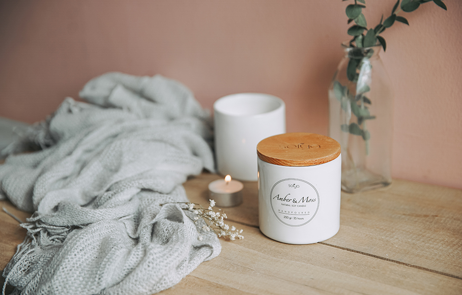 Soy Scented Candle - Amber & Moss